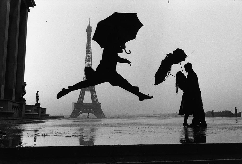 Elliott_Erwitt_France_Paris_1989_tour_eiffel_100th_anniversary